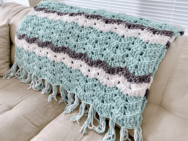 Easy Weekend Chevron Crochet Blanket Pattern by Double Crochet