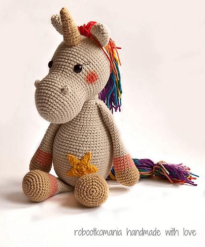 Emmie, The Unicorn Crochet Pattern by Kristel Droog