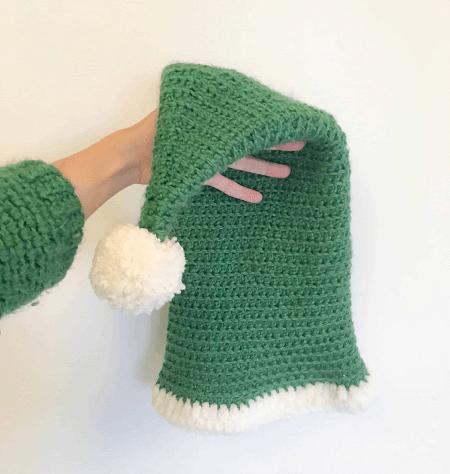 Free Crochet Elf Hat Pattern by Dora Does