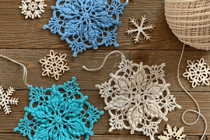 Inscribed Snowflake Crochet Pattern by Draguina