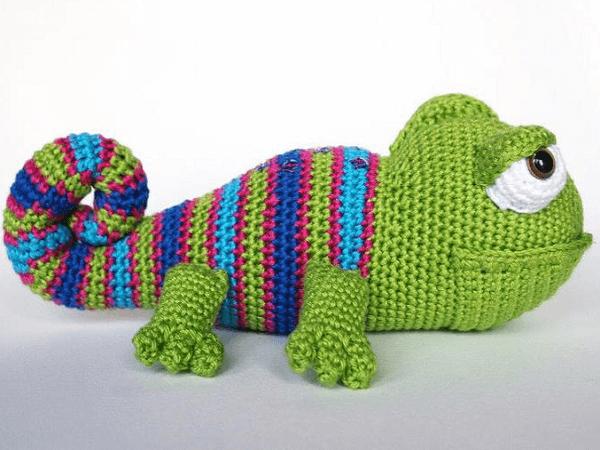 Karen, The Chameleon Crochet Pattern by Amigurumisnl