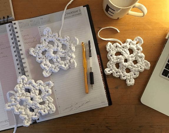 Super Easy Crochet Snowflakes Pattern by By London