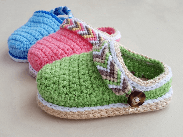 Tribal Baby Clogs Crochet Pattern by Crochet Oasis