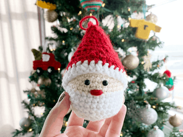 Crochet Santa Ornament Pattern by Maria's Blue Crayon
