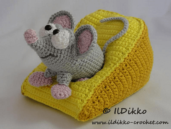 Manfred, The Mouse Amigurumi Pattern by Il Dikko