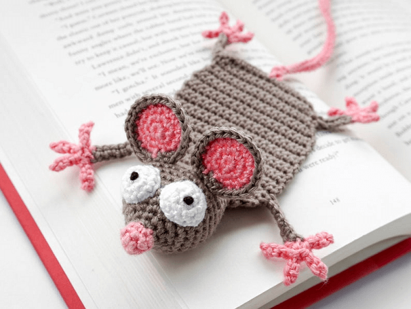 Mouse Bookmark Crochet Pattern by Supergurumi Shop