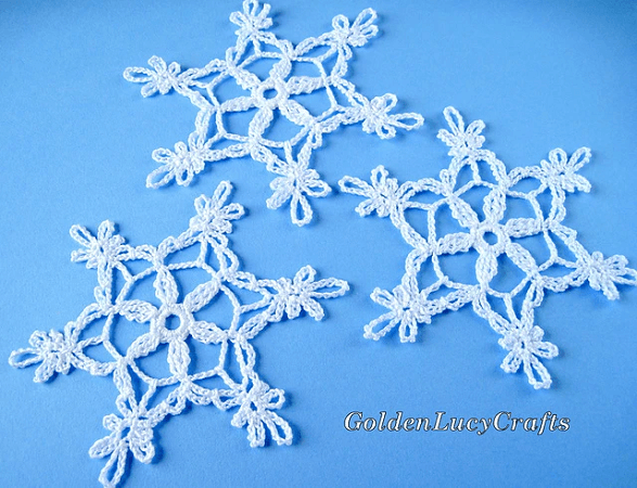 Snowflake Crochet Pattern by Golden Lucy Crafts