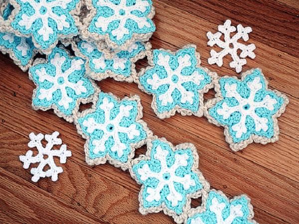 Snowflake Scarf Crochet Pattern by Twinkie Chan
