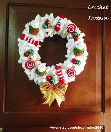 Christmas Cupcakes, Candies, and Lollipop wreath pattern By Natalie Spot