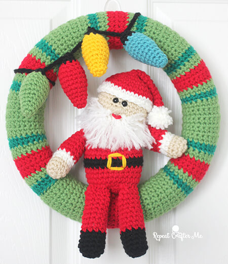 Free Santa Crochet Christmas Wreath Pattern By Repeat Crafter Me