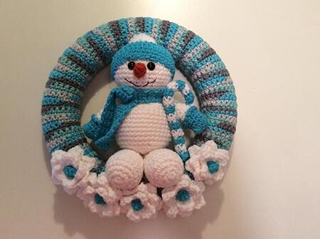Snowman Winter Crochet Wreath Pattern By Lisa Kingsley