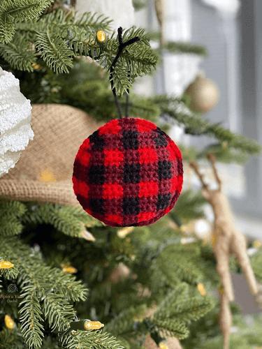 Buffalo Plaid Ornament Free Crochet Pattern by Spin A Yarn