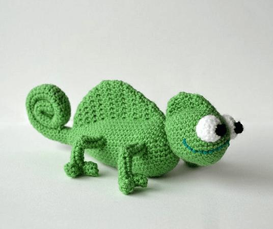 Chameleon Crochet Pattern by Vliegende Hollander