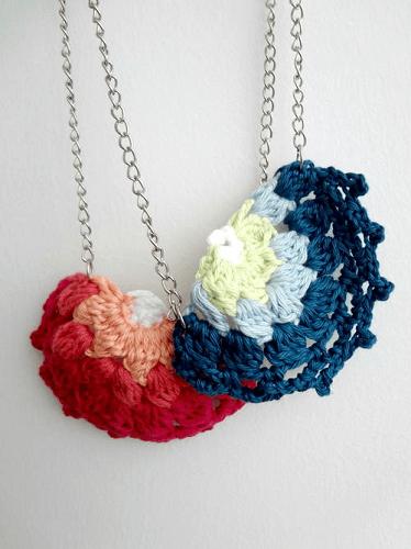 Crochet Doily Necklace Pattern by Maya Kuzman