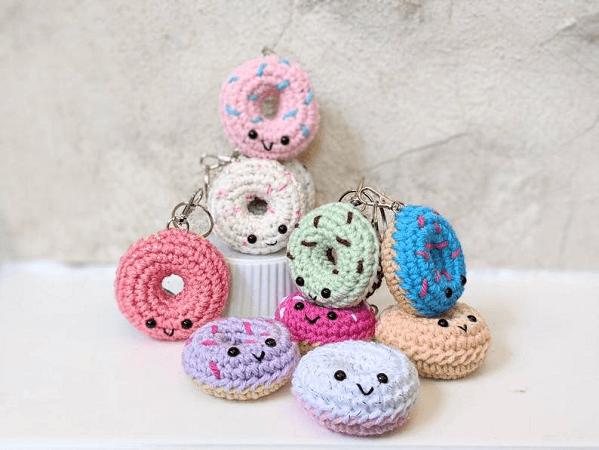 Crochet Donut Keychain Pattern by Baby Cakes Studios