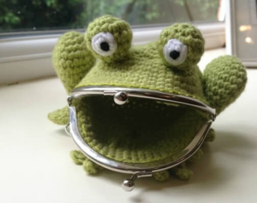 crochet frog coin and change purse pattern