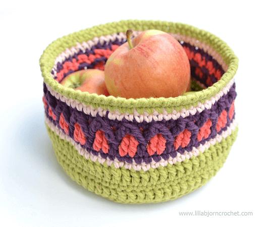 Fall Apple Basket Crochet Pattern by Lilla Bjorn Crochet