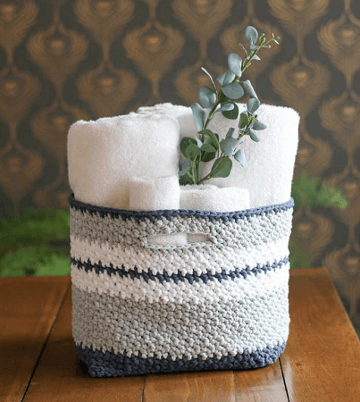 Free Easy Crochet Basket Pattern by Make And Do Crew