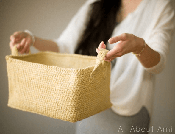 Rustic Tweed Basket Crochet Pattern by All About Ami
