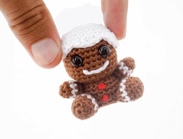 Amigurumi Crochet Gingerbread Man Pattern by Supergurumi