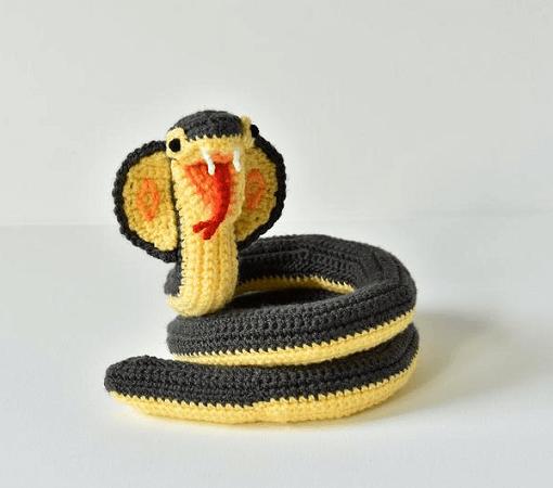 Cobra Snake Crochet Pattern by Vliegende Hollander