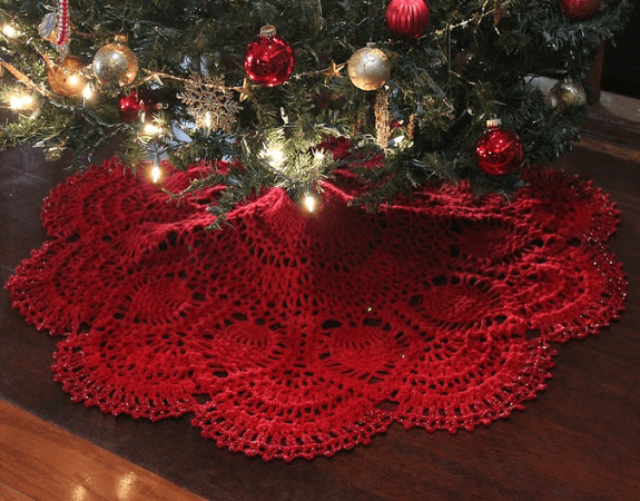 Cranberry Pineapple Crochet Christmas Tree Skirt Pattern by Doily Designs