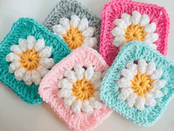 Ditsy Daisy Crochet Granny Square Pattern by Lullaby Lodge