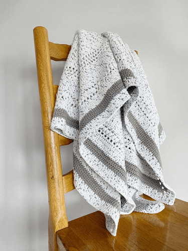 Free Crochet Throw Pattern by Life And Yarn