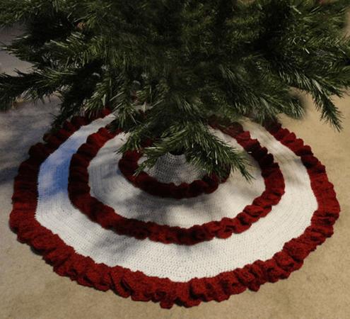 Ruffle Christmas Tree Skirt Crochet Pattern by Crochet Spot Patterns