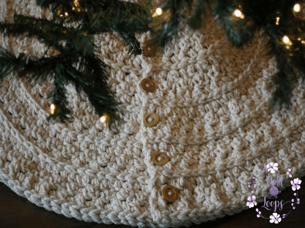 Rustic Wonderland Christmas Tree Skirt Crochet Pattern by Violet Loops