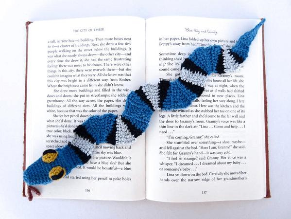 Snake Bookmark Crochet Pattern by Supergurumi Shop