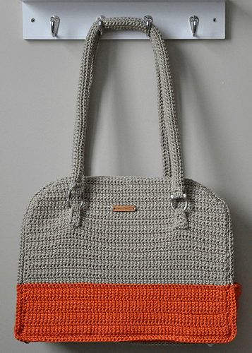 Crochet Penny Purse Pattern by Sincerely Pam