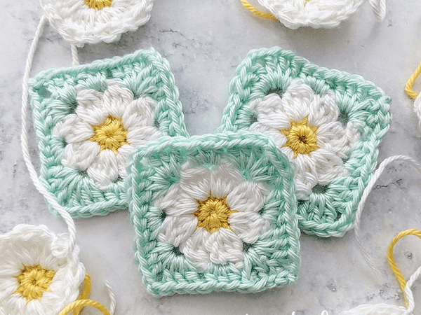 Dainty Daisy Granny Square Crochet Pattern by Just Be Crafty