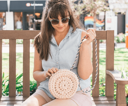 Easy Crochet Crossbody Purse Pattern by Sewrella