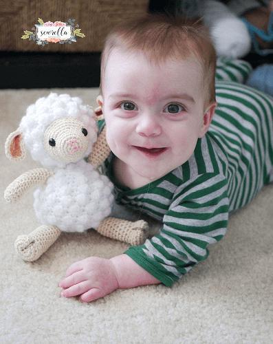 Little Crochet Lamb Pattern by Sewrella