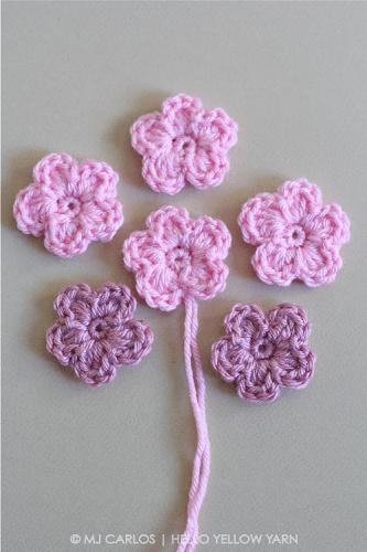 Simple Crochet Flower Pattern by Hello Yellow Yarn