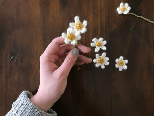 Tiny Crochet Daisies Pattern by Picot Pals