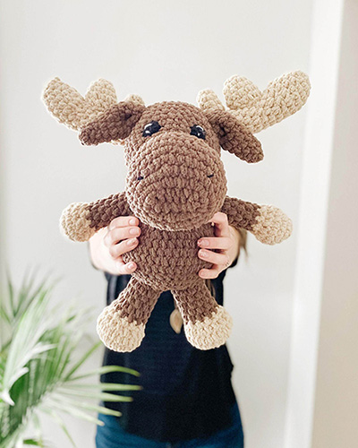 Manny Moose Crochet Pattern By DoubleDutchCrochetCo