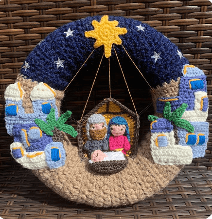 Bethlehem Nativity Wreath Crochet Pattern by Lau Loves Crochet