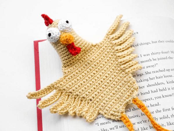 Chicken Bookmark Crochet Pattern by Supergurumi Shop