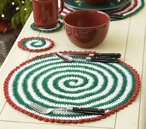 Christmas Pinwheel Placemat Crochet Pattern by Mary Jane Protus