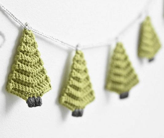 Crochet Christmas Tree Garland Pattern by Lilleliis