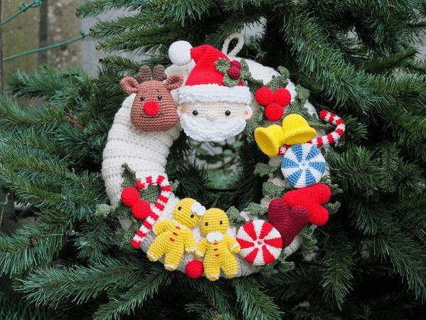 Crochet Christmas Wreath Pattern by Rnata