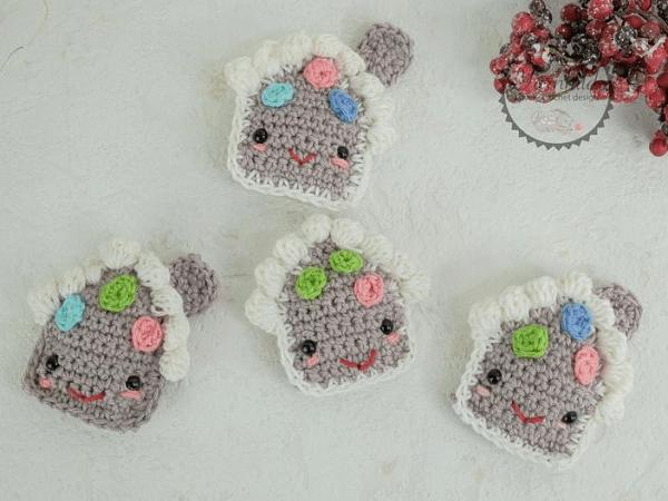 Crochet Cute Gingerbread House Pattern by Yarn Hild