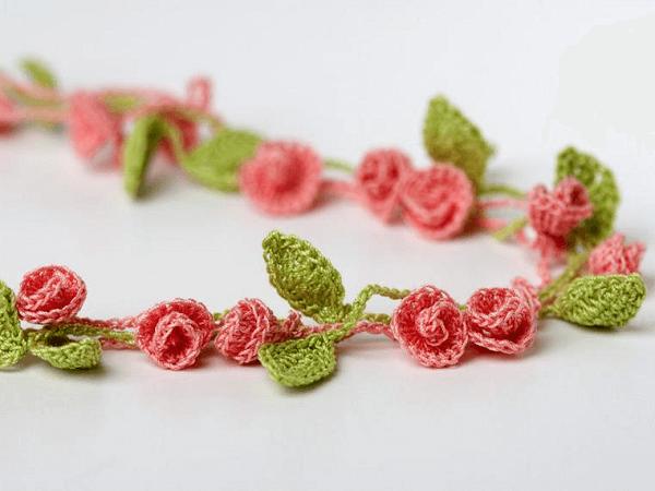 Crochet Rose Necklace Pattern by Yarn Twist