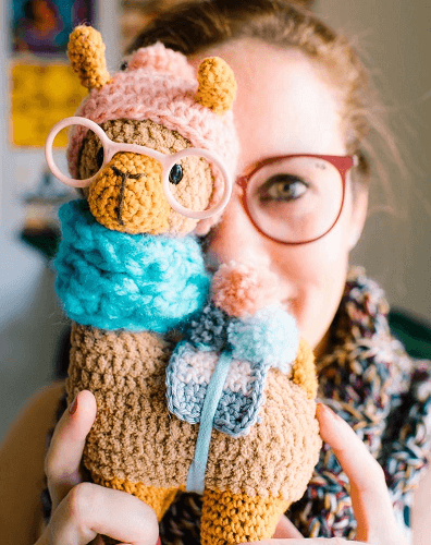 Hipster Llama Crochet Pattern by Aukillu