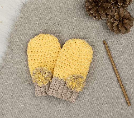 Pom Pom Crochet Baby Mittens Pattern by Croby Patterns