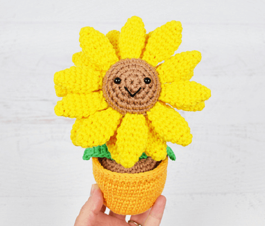 Potted Sunflower Crochet Pattern by Yarn Blossom Boutique