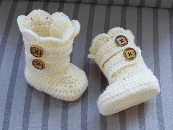 Baby Snow Boots Crochet Pattern by Crochet Baby Boutique