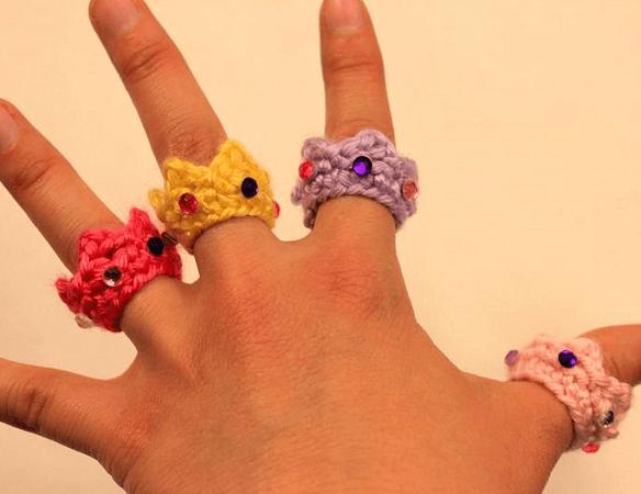 Crochet Crown Ring Pattern by Sahrit